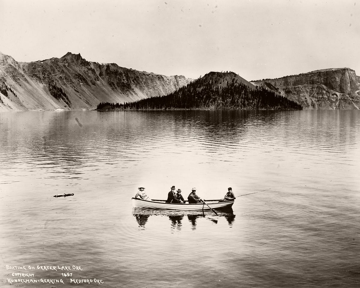Tourists boat across Crater Lake, 1912. (Library of Congress)