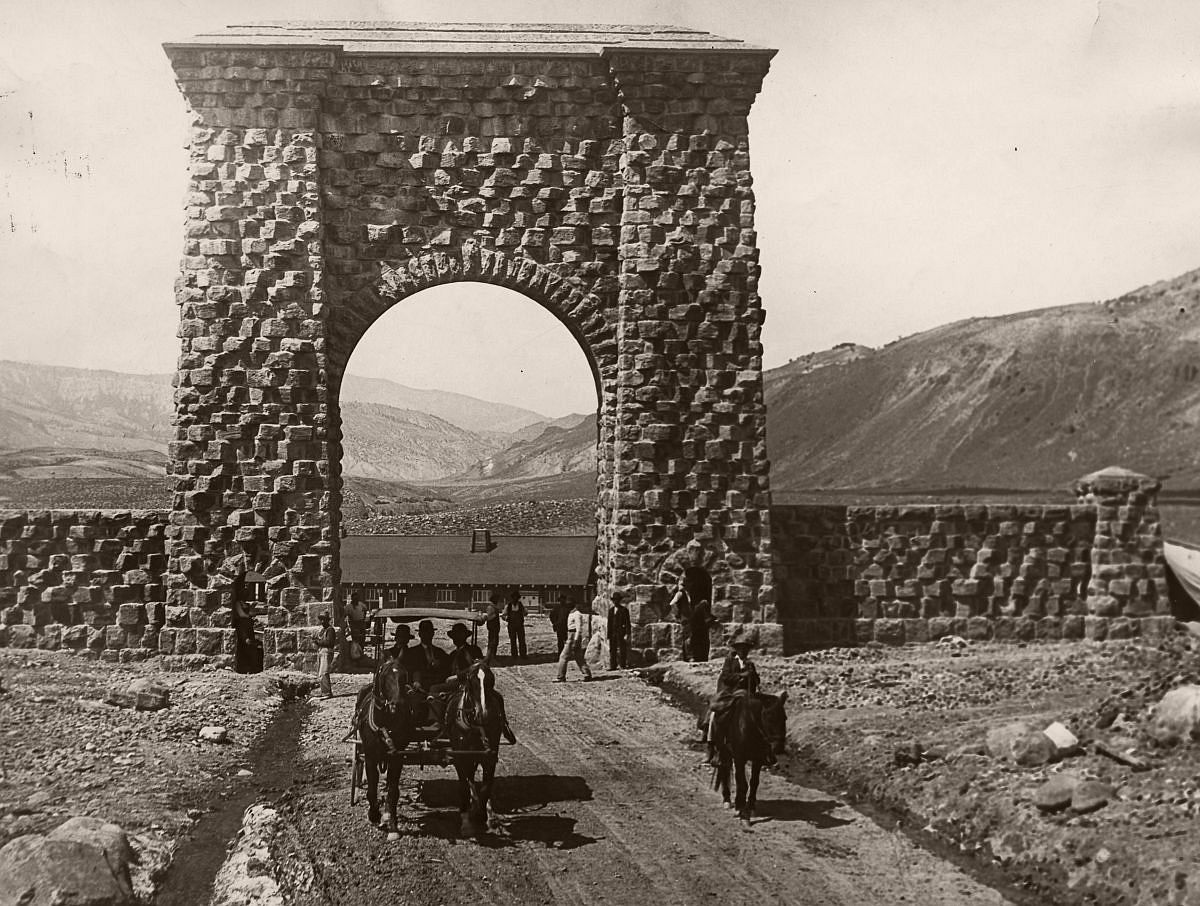 The gateway arch at Yellowstone, c.1900. (George Rinhart/Corbis via Getty Images)