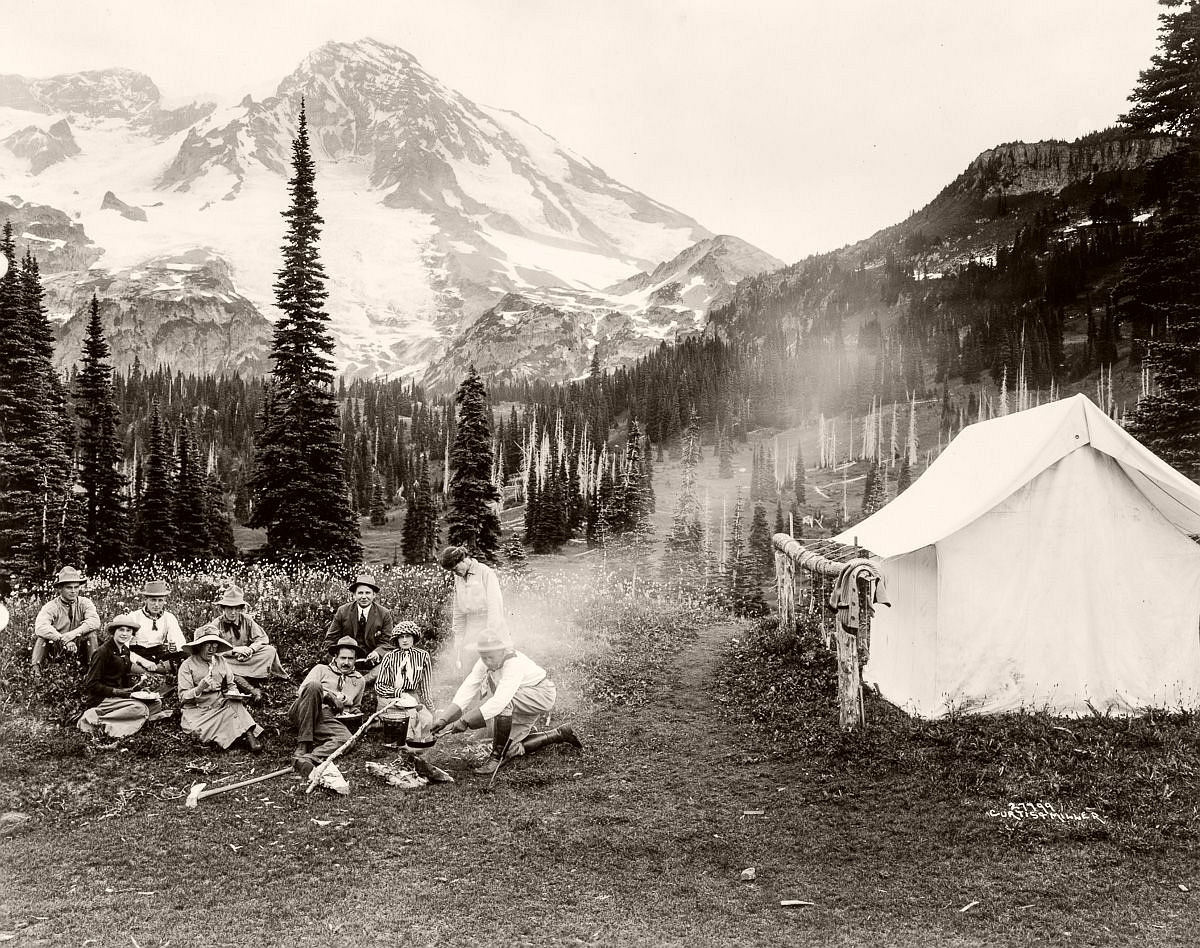 A party of tourists in Mt. Rainier National Park, 1911. (Library of Congress)