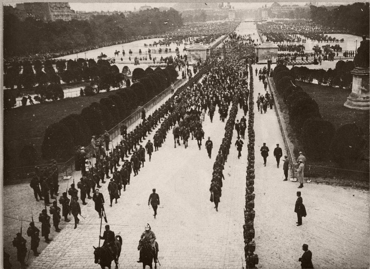 1915. The transfer of the ashes of Rouget de Lisle in Les Invalides.