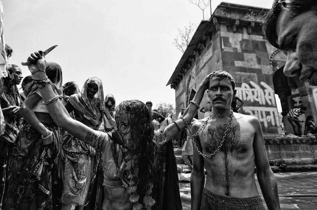 © Debiprasad Mukherjee: God Never Talks. But the Devil Keeps Advertising / MonoVisions Awards 2017 winner