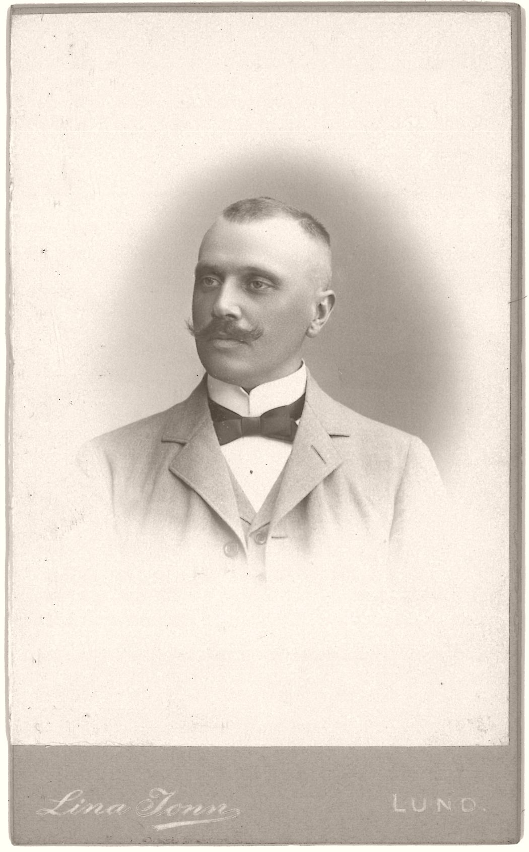 Ernst A. Kallenberg (1866-1947), Swedish jurist and professor at Lund University.