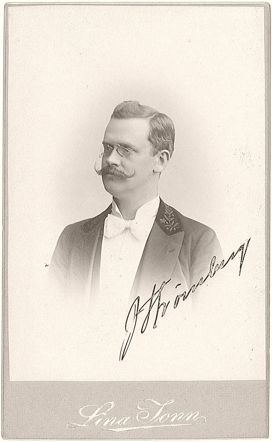 "Johannes Strömberg (1868-1916), during the years 1898-1916 principal/head master of ""Lunds Privata Elementarskola"" (a gymnasium in Lund, later to be renamed ""Strömbergsskolan"" after him; today known as Spyken)."