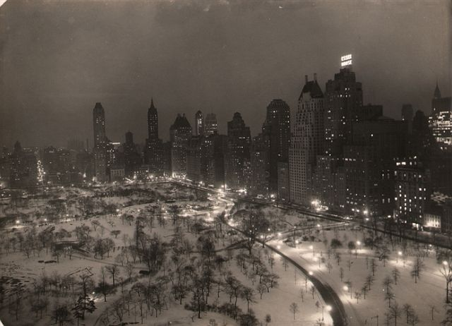 Paul J. Woolf, Central Park Looking Southeast, c. 1935