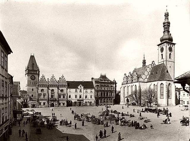 Main square in Tábor with city hall and church, 1895.