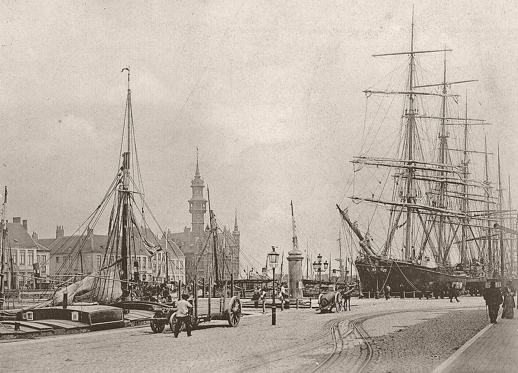 Ostend harbour in 1900
