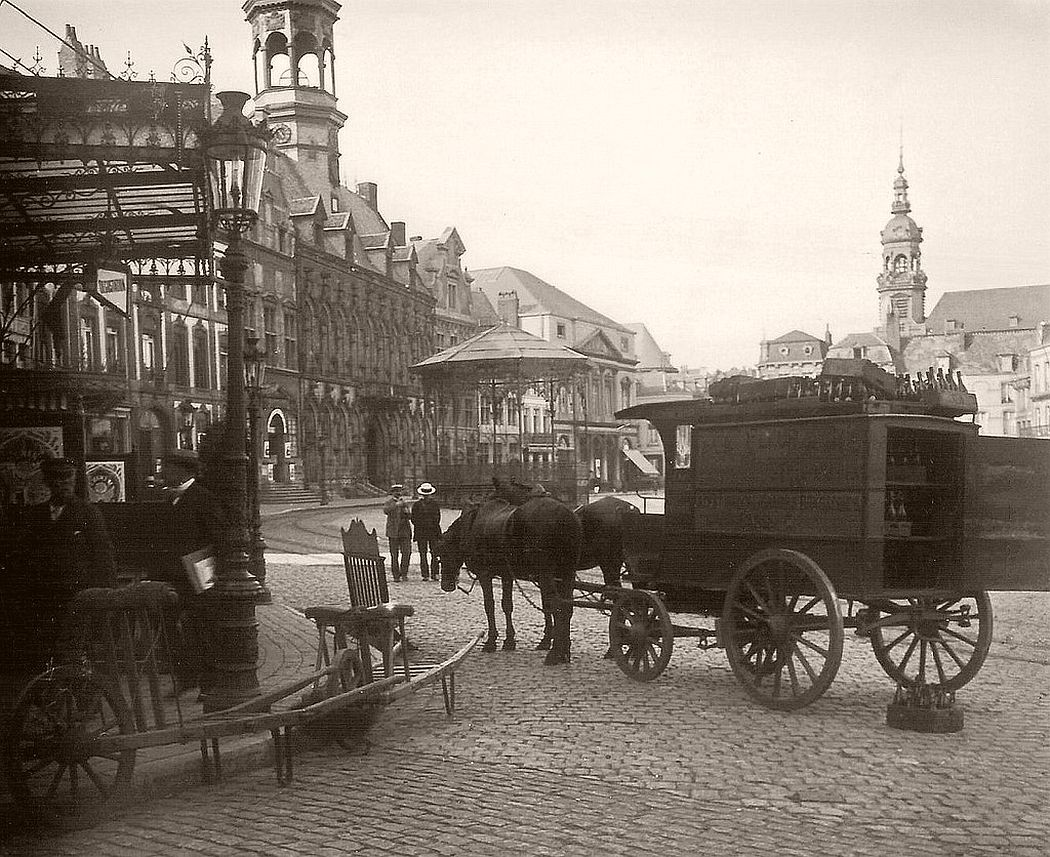The Grand Place in Mons, 1906