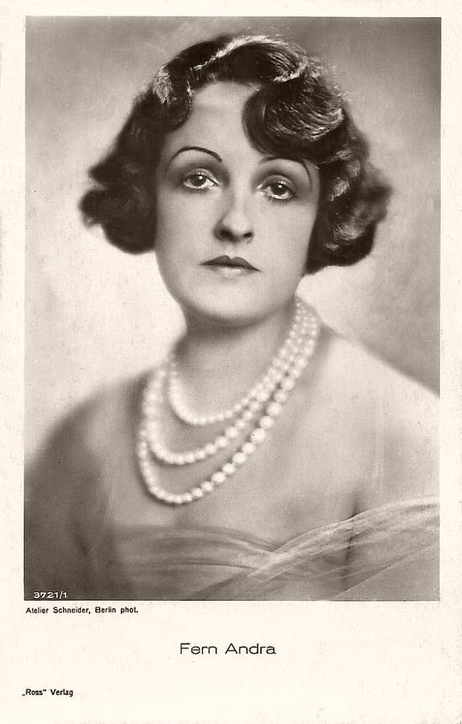 'Modern' American actress Fern Andra (1893-1974) became one of the most popular film stars of the German cinema in the 1910s and early 1920s. In her films she mastered tightroping, riding horse without a saddle, driving cars and motorcycles, bobsleighing, and even boxing.