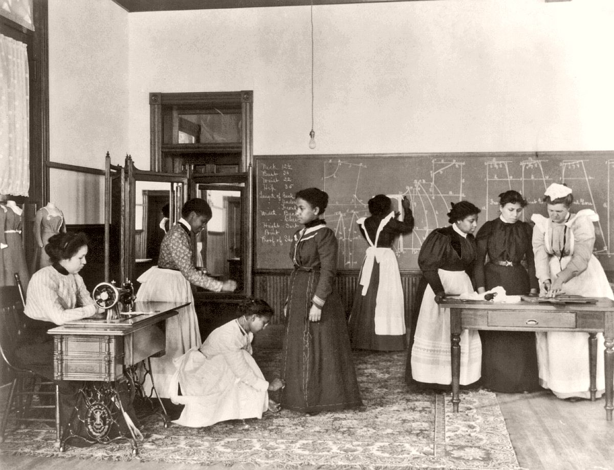 A class in dressmaking, Hampton Institute, Hampton, Virginia, 1899