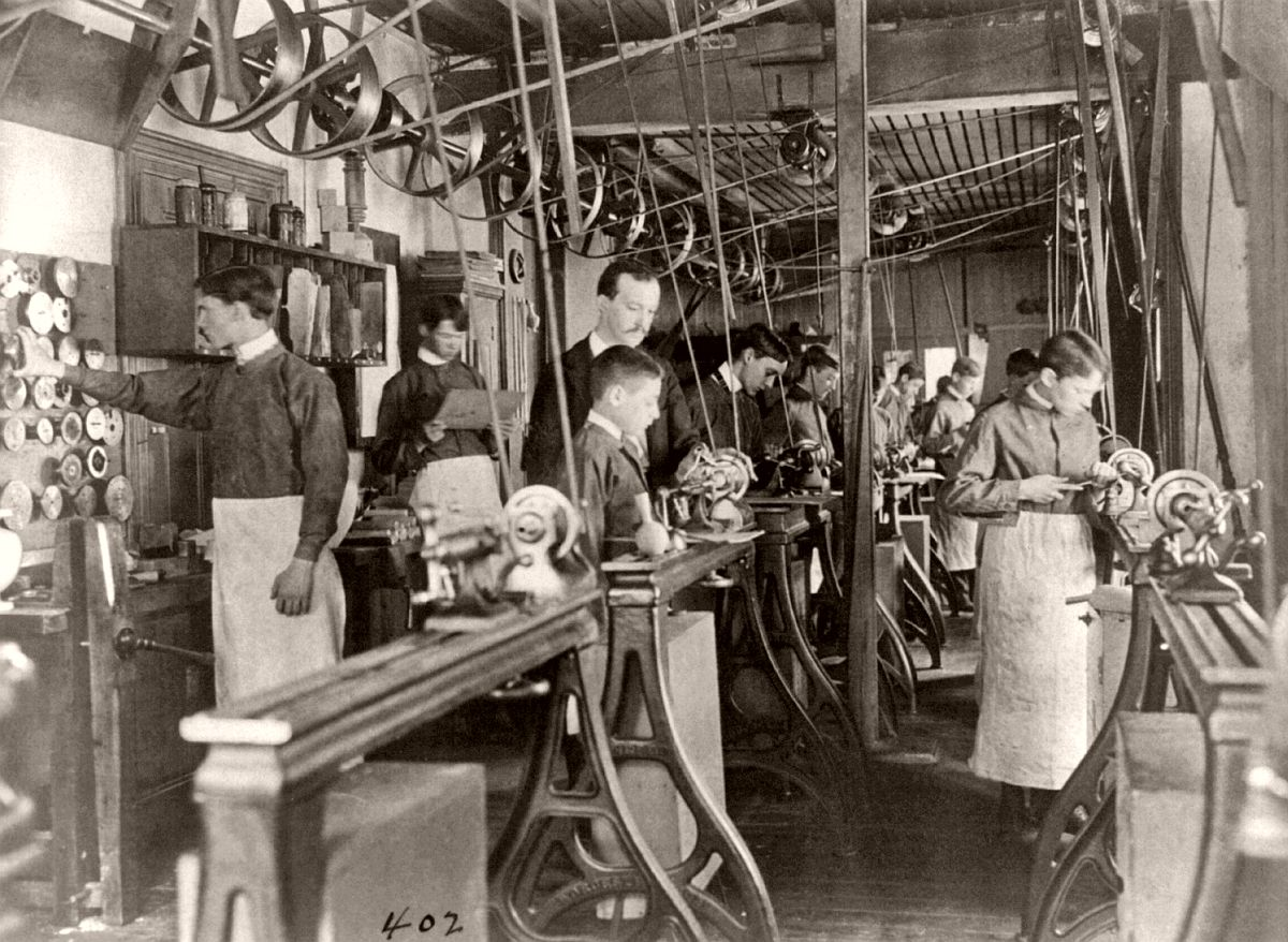 Machine shop class, Washington, DC, ca. 1899