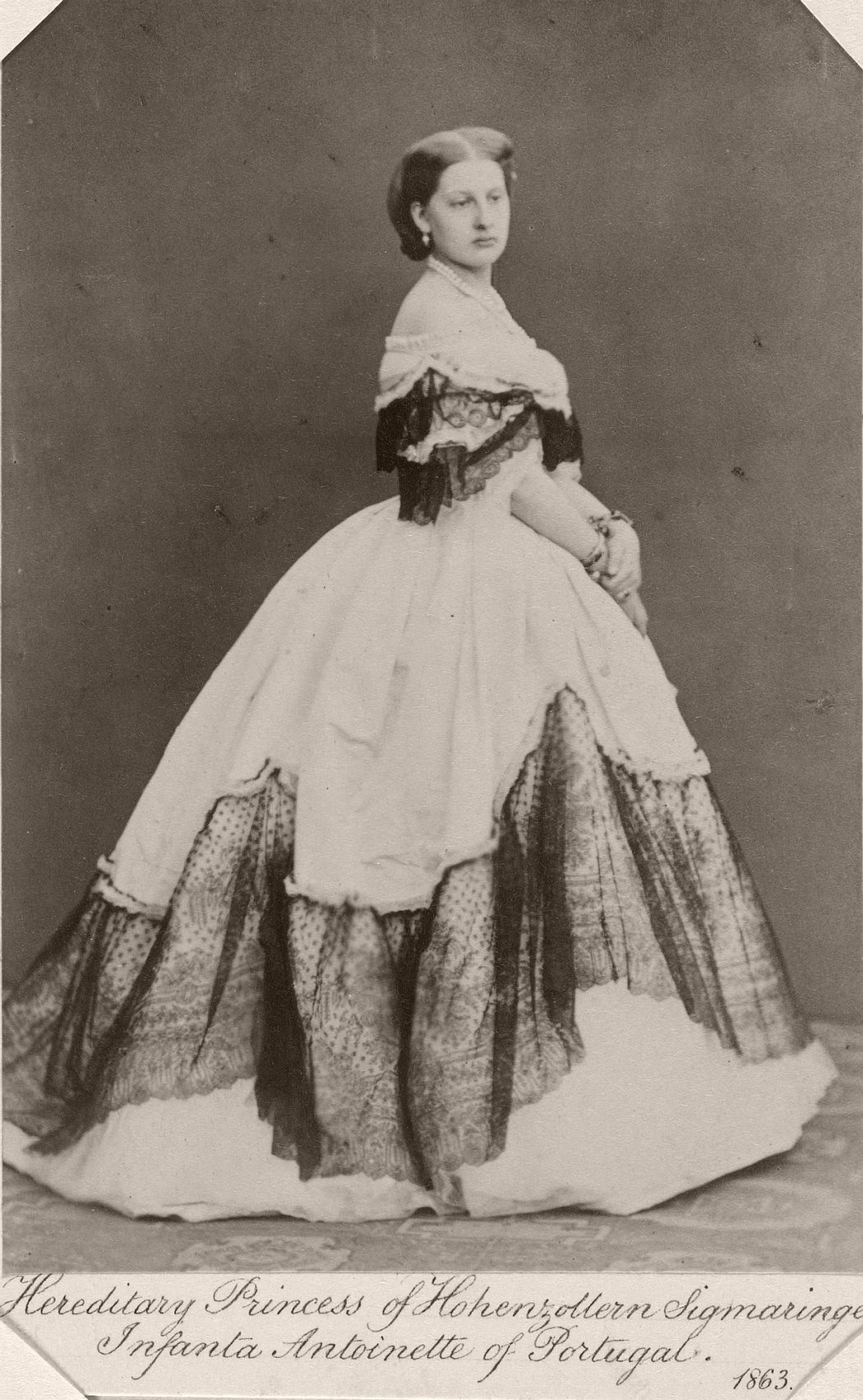 Infanta Antonia, Hereditary Princess of Hohenzollern-Sigmaringen, 1863