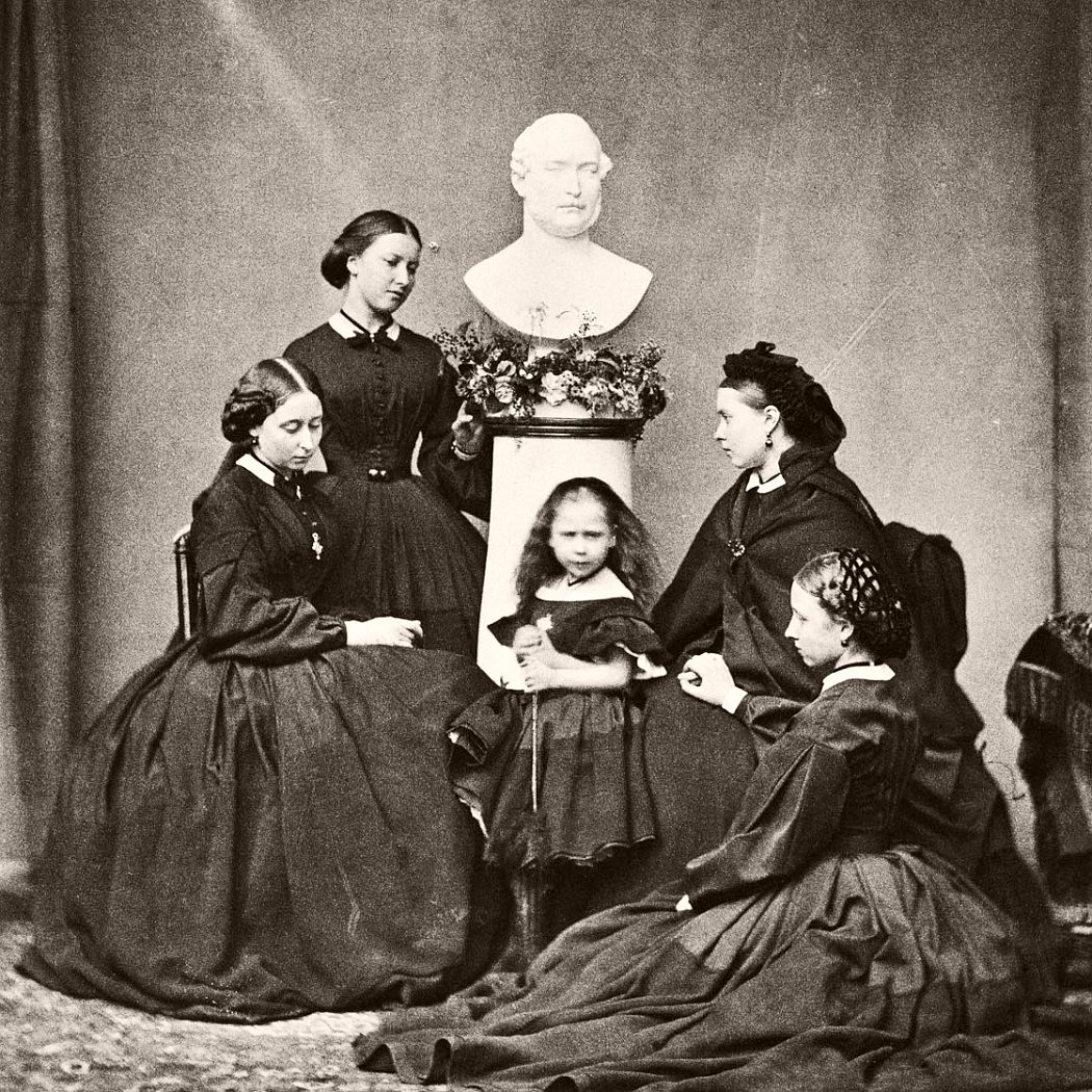 Victoria's five daughters (Alice, Helena, Beatrice, Victoria and Louise), March 1862