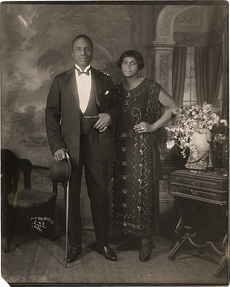 James Van Der Zee, Couple, 1924, gelatin silver print, National Gallery of Art, Washington, Robert B. Menschel Fund