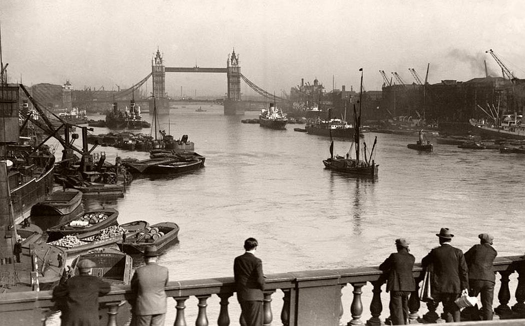 Tower Bridge, c.1920s.