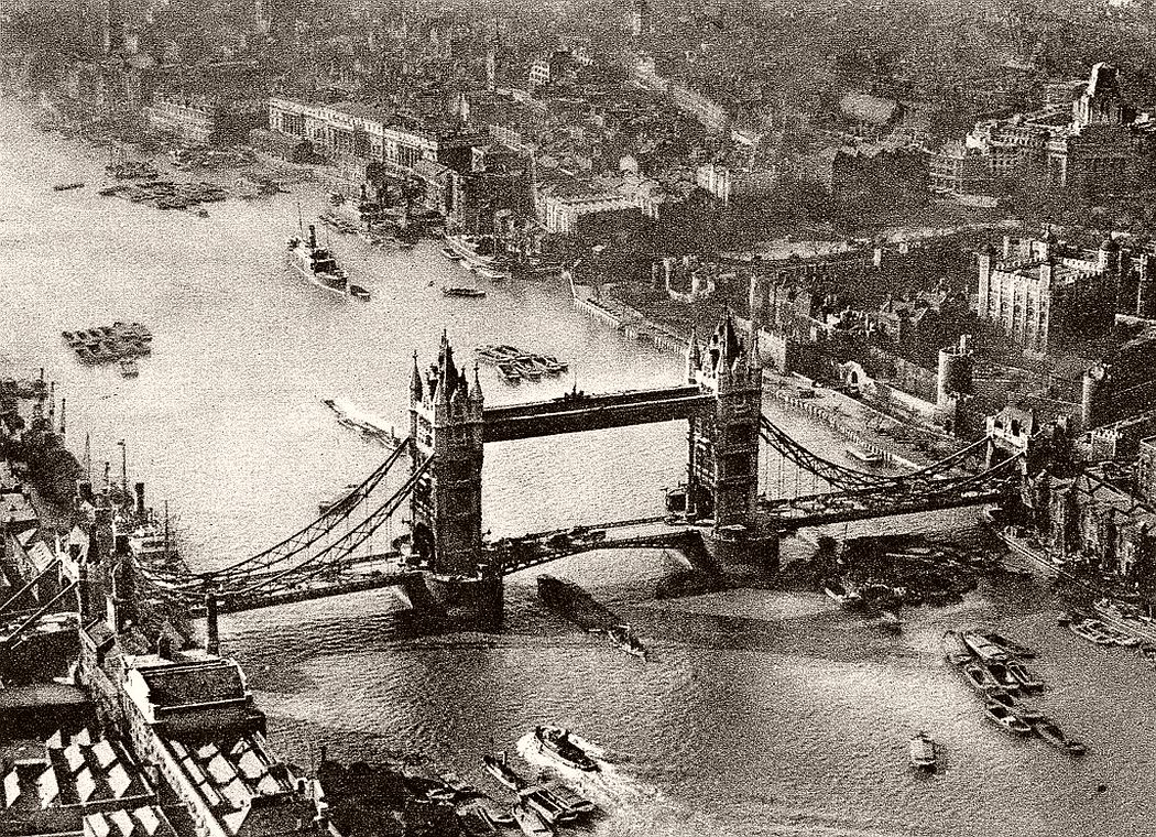 Thames and Tower Bridge in London, c.1920s.