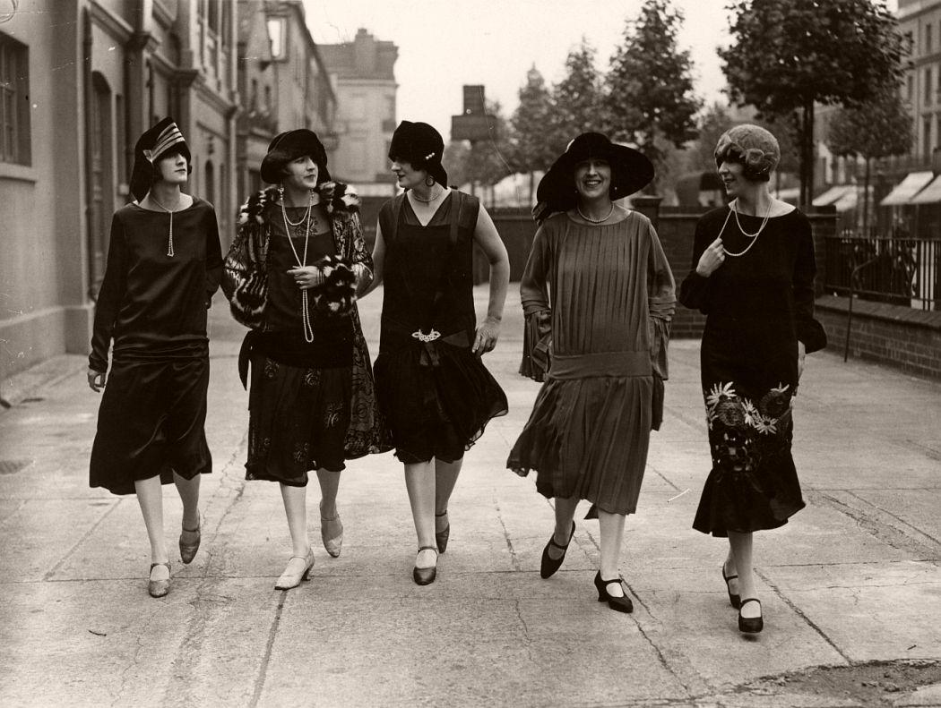 Twenties glamour, London, 1925.