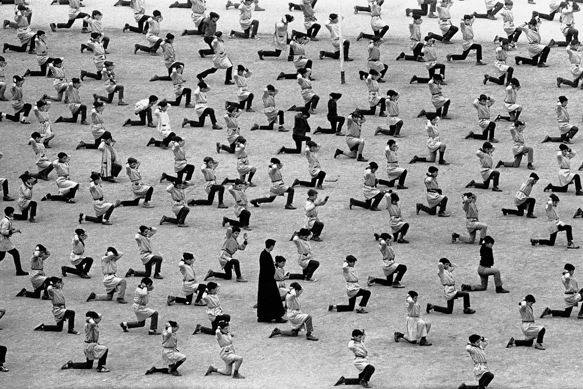 Barcelona, 1966, by Xavier Miserachs. Photograph © Arena and Mar Miserachs, courtesy via La Fabrica