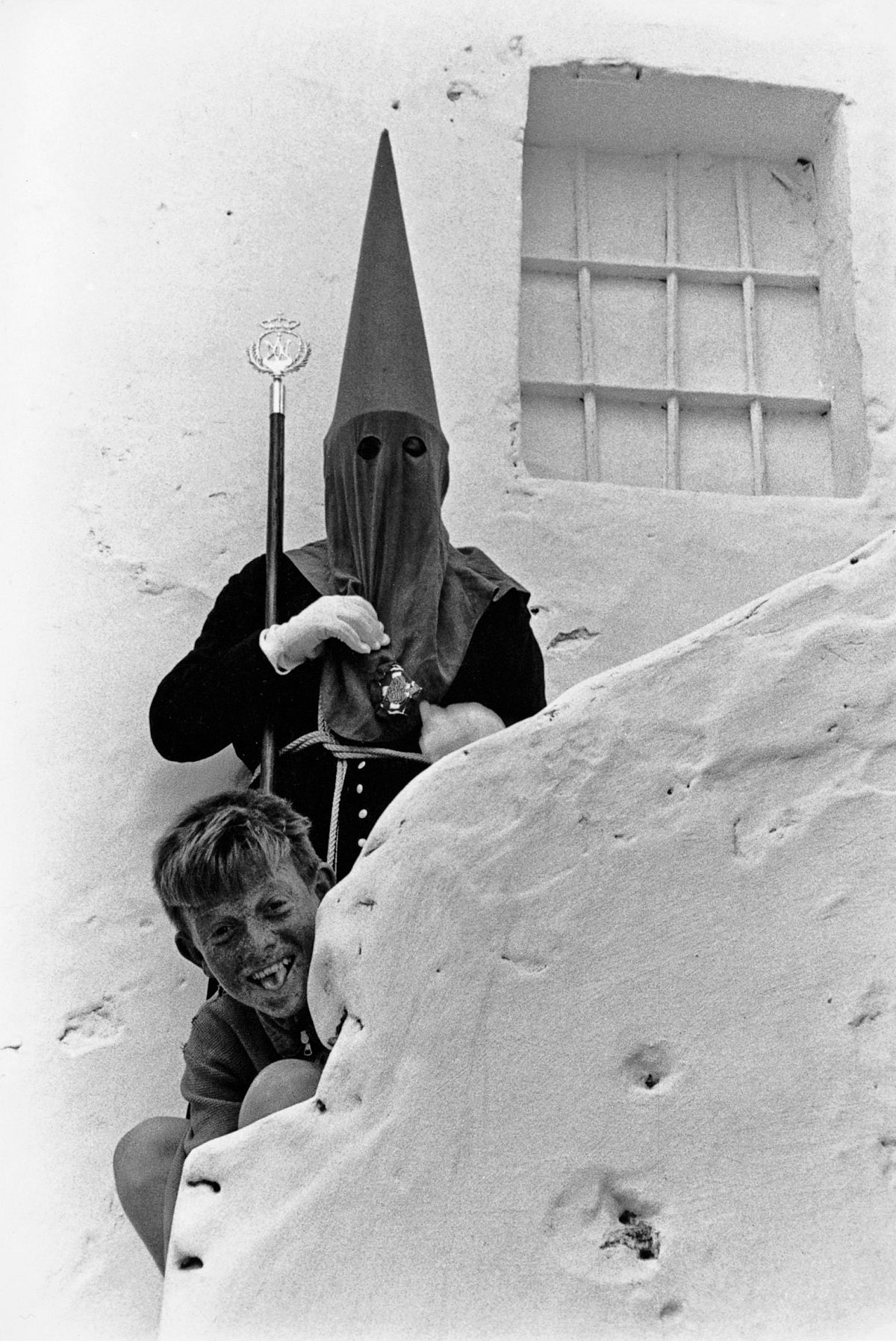 Semana Santa. Tarifa, 1961. By Xavier Miserachs. Photograph © Arena and Mar Miserachs, courtesy via La Fabrica