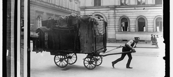 Vintage: Moving Day (early 20th Century)