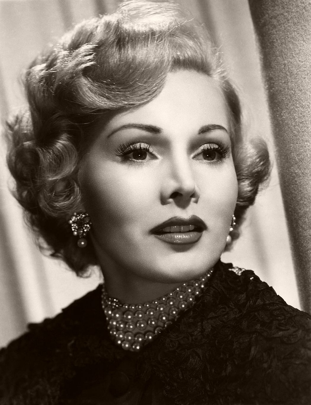 Vintage: Portraits of Zsa Zsa Gabor