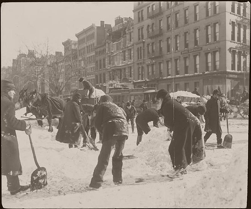 Circa 1899. (Photo courtesy of the Museum of the City of New York, 93.1.1.14297) (Photo courtesy of the NYPL)