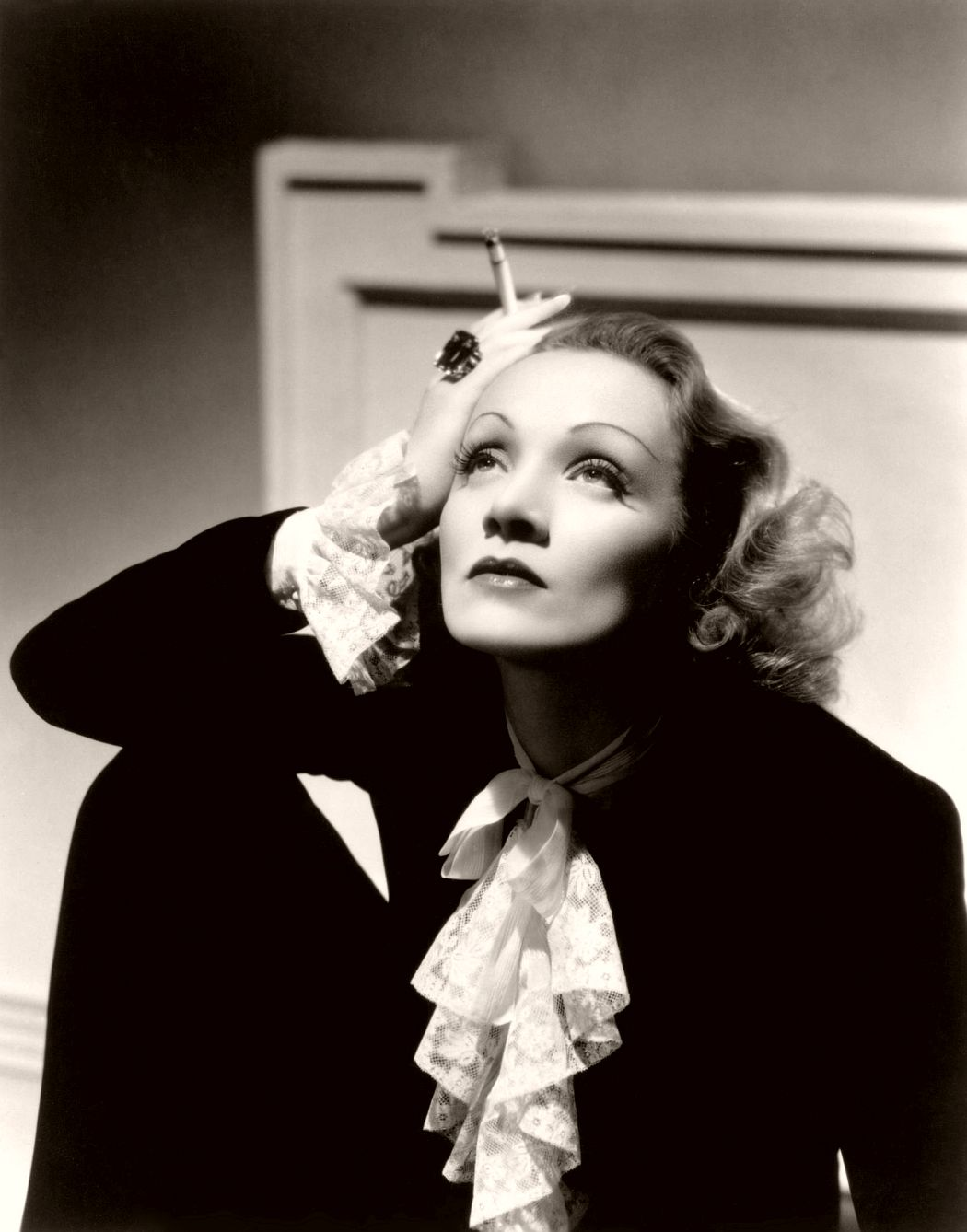 Another actress who defied the pressures of Hollywood was Marlene Dietrich who is famous (among other things) for saying: 'I dress for myself. Not for the image, not for the public, not for fashion, not for men.' While also a fan of the humble ball gown, Marlene became the first famous woman in history to rock a tuxedo, with Angelina Jolie and co. taking suit (pun intended) all these years later. We applaud you, Marlene. 1930s fashion trends truly wouldn't have been the same with her.