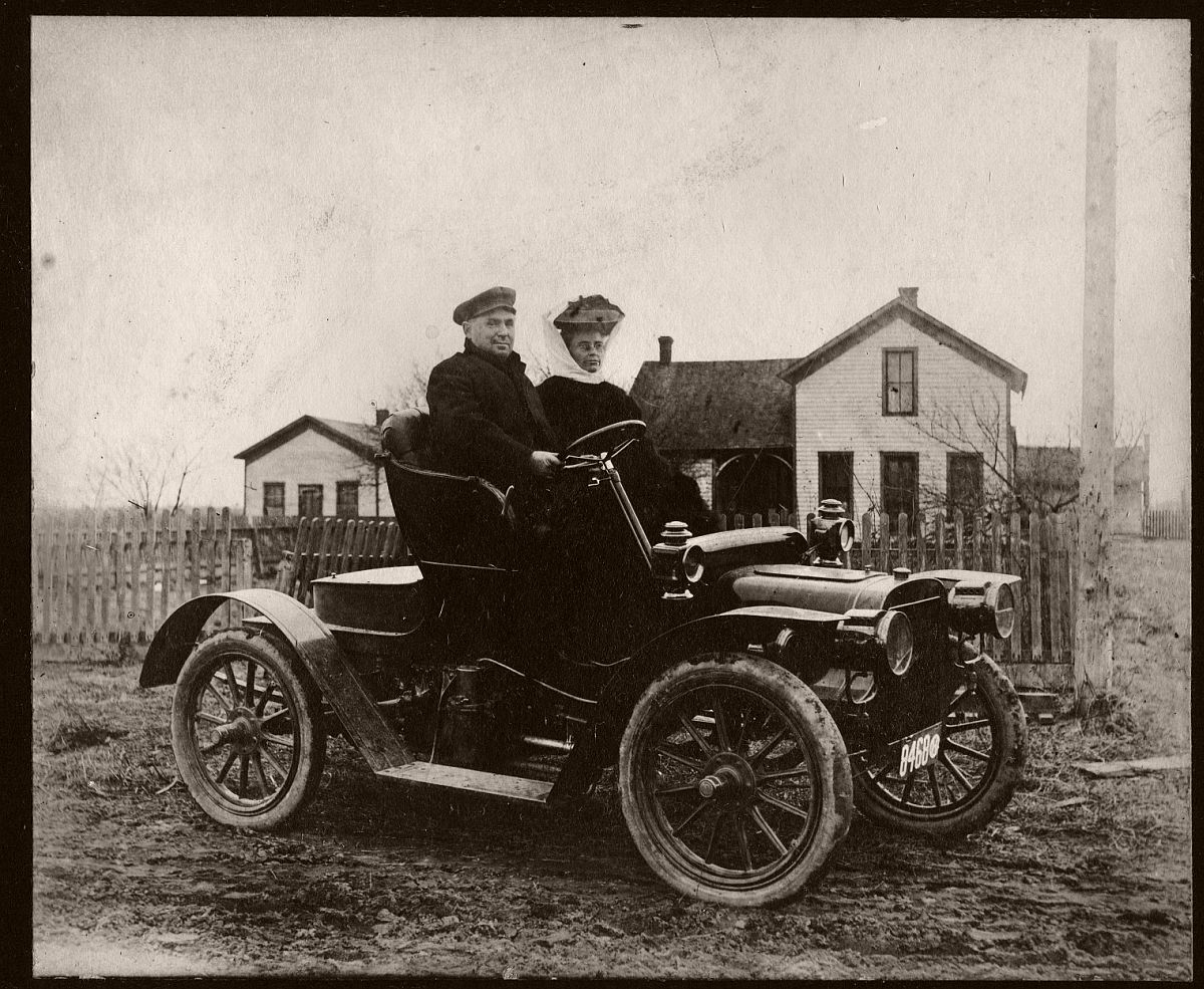 Ohio Couple in 1908 Cadillac Model S