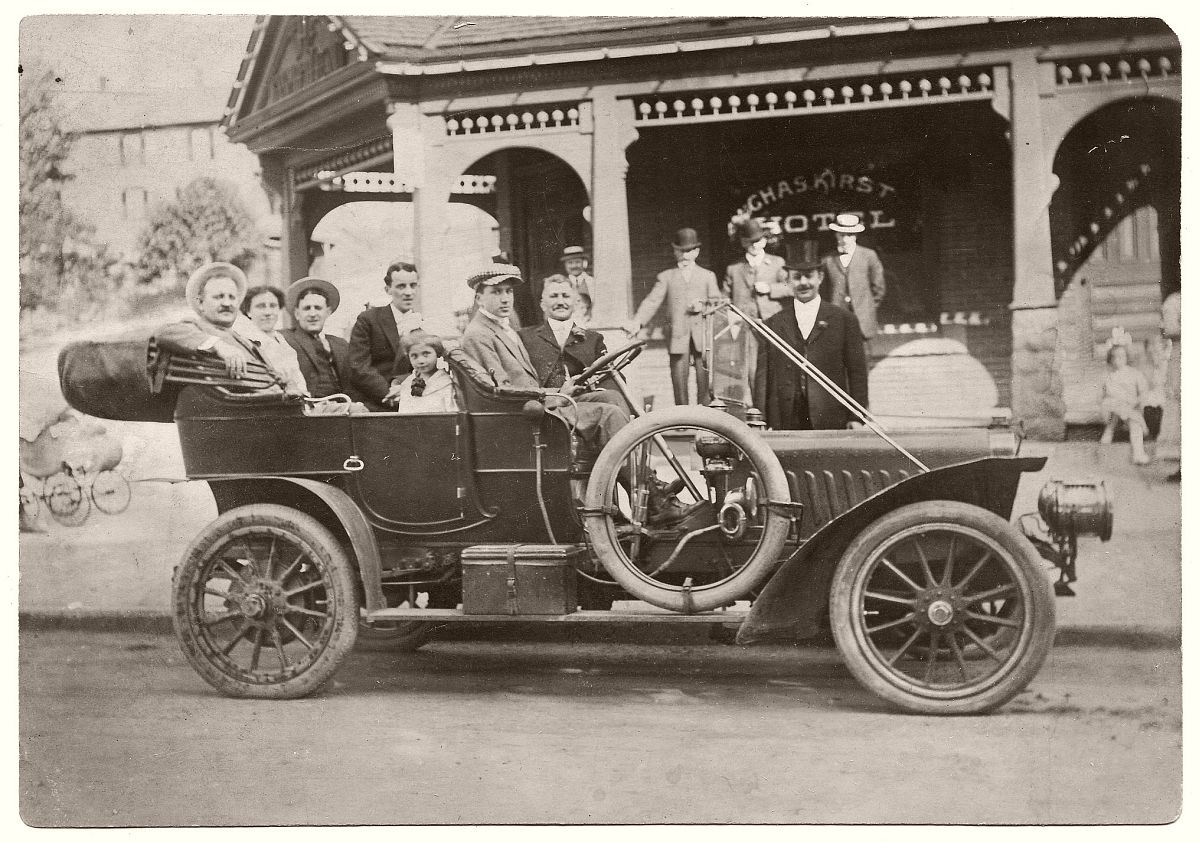 Harry Kirst and group in 1907 Stevens-Duryea in front of Charles Kirst Hotel, Scranton, PA