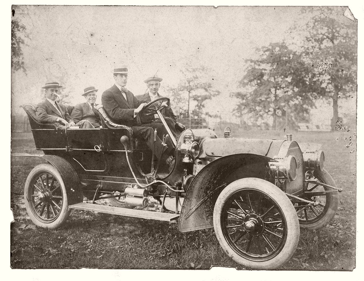 Early automobile c1910