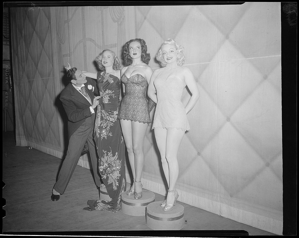 Vintage: Boston Showgirls in the 1940s