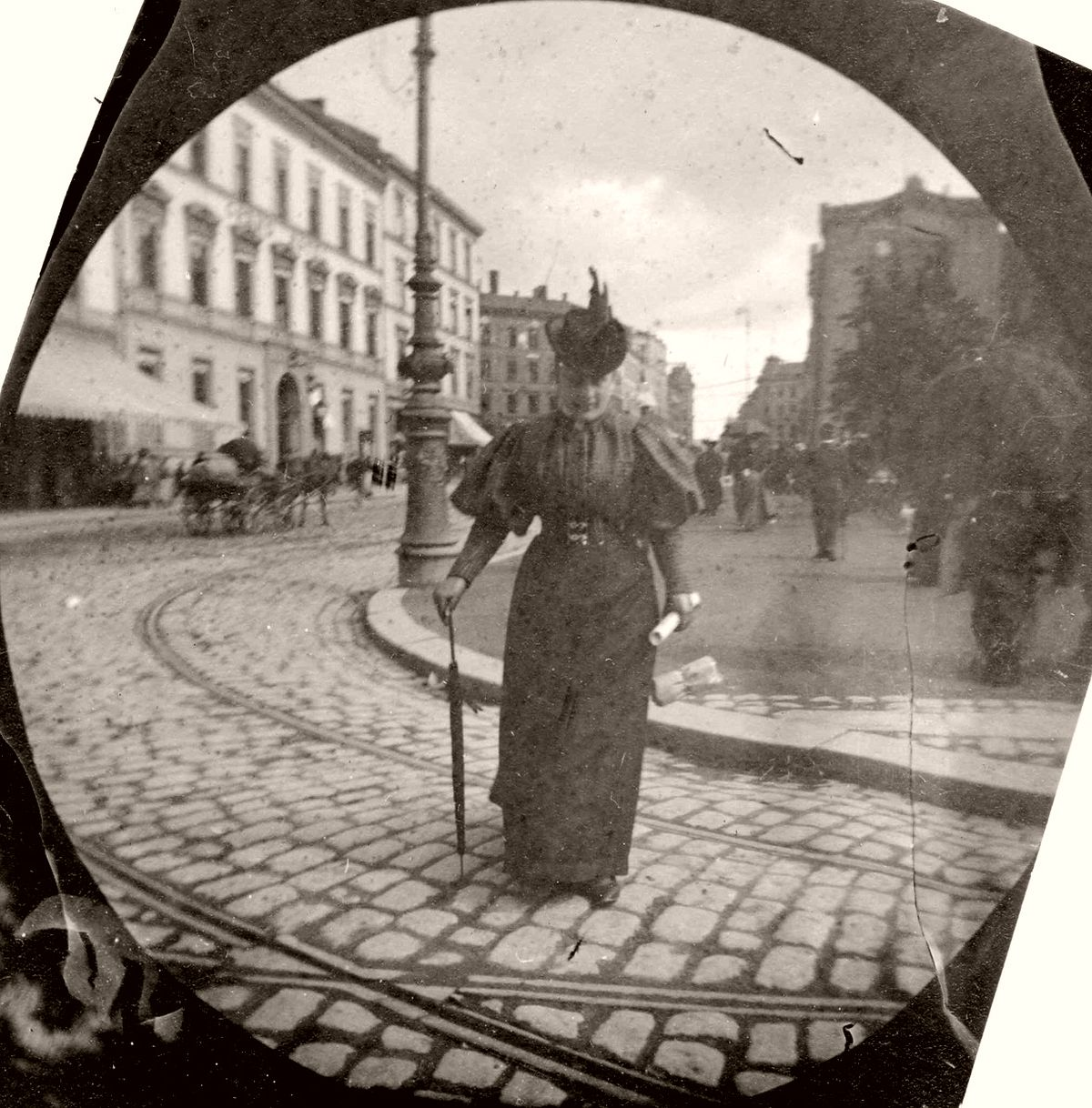 Vintage: Street Shots of Oslo by Carl Størmer (1890s)