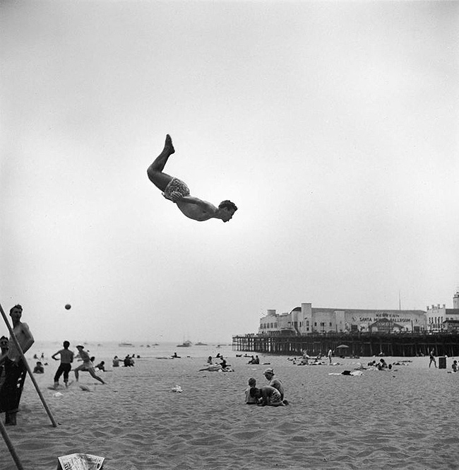 Title: Fun at the Santa Monica Beach, 1948 Artist: Loomis Dean