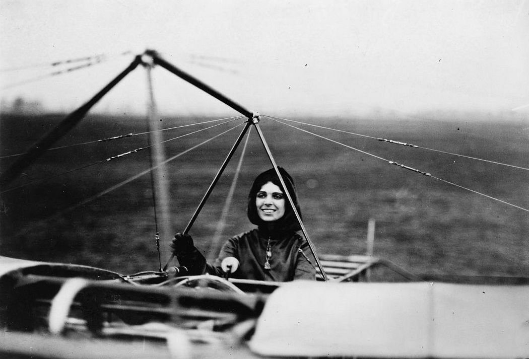 Harriet Quimby and her Blériot XI. (Library of Congress)
