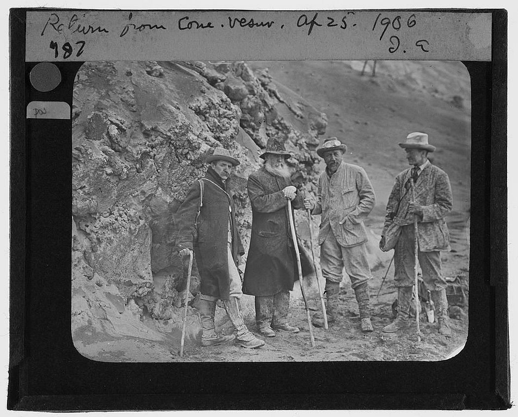 Tempest Anderson (second from right) and three others returning from Vesuivius (1906)