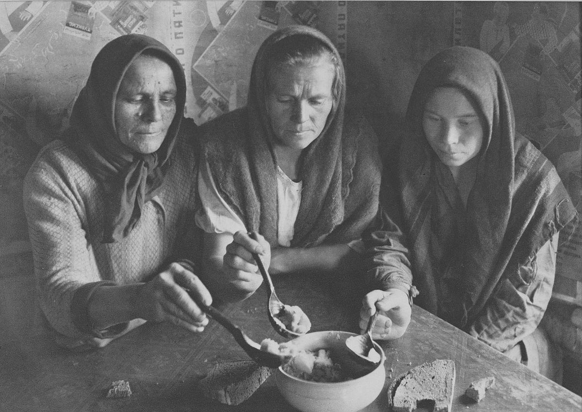 Margaret Bourke-White, (American, 1904–1971), Borscht