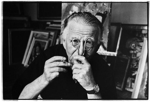 © Stefan Moses 'Otto Dix', aus der Serie KÜNSTLER MACHEN MASKEN, 1964 Courtesy Johanna Breede PHOTOKUNST