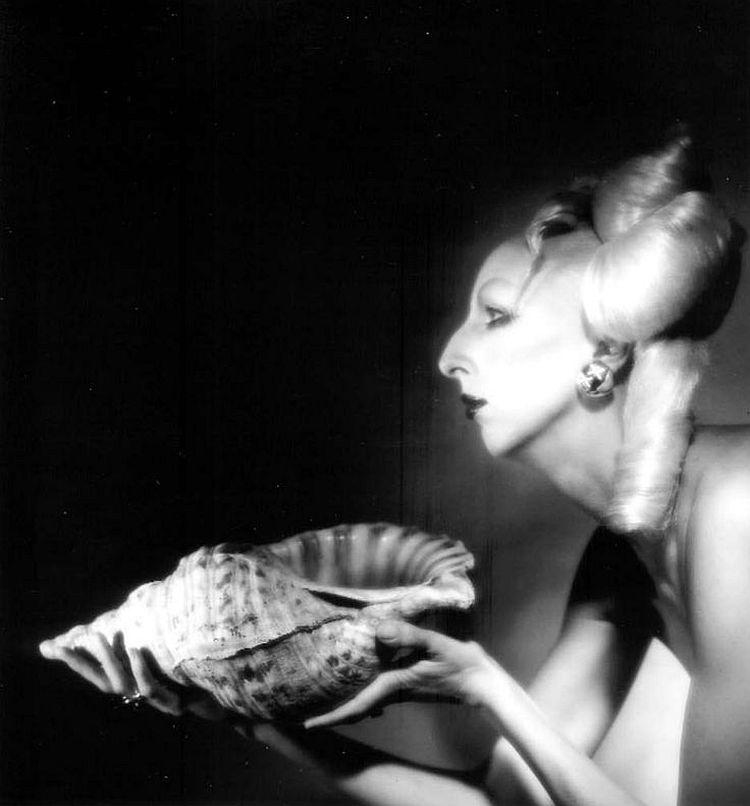 Steven Arnold  Pandora's Offering, 1982