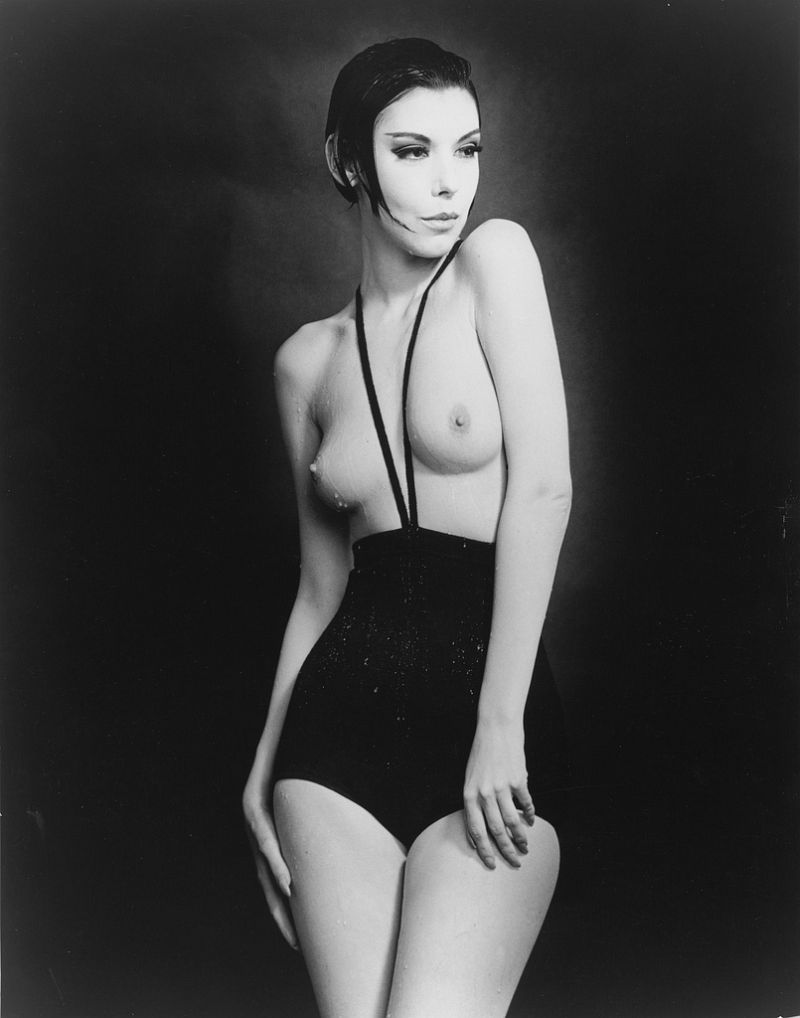 William Claxton Peggy Moffit in Rudi Gernreich's Topless Swimsuit 1964