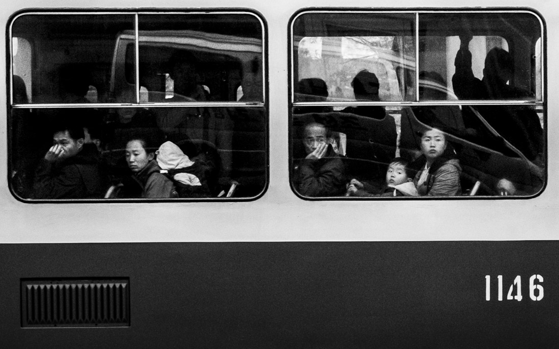 © Benjamin Decoin: Atomic commuters / MonoVisions Photography Awards 2018 winner