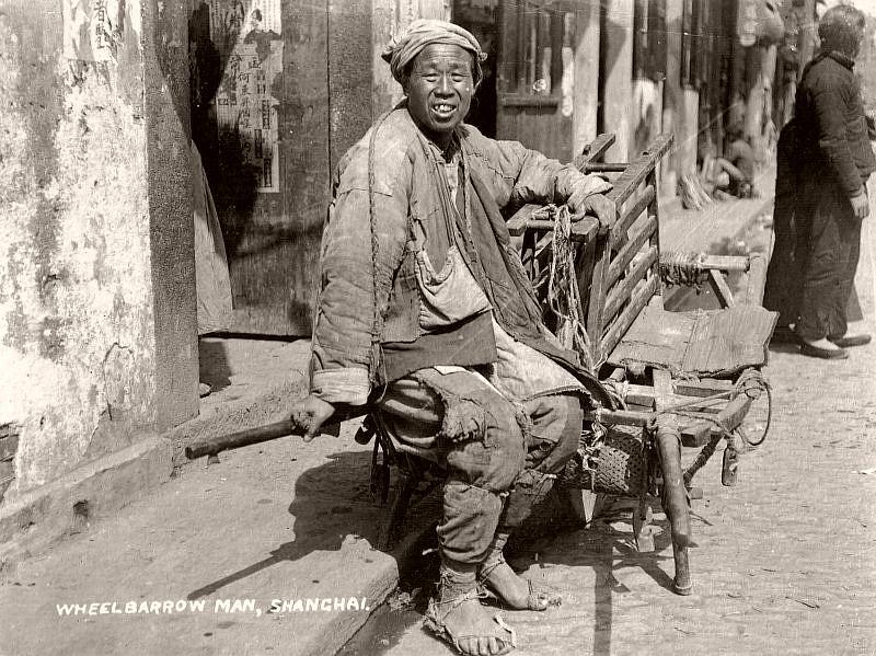Wheelbarrow man, Shanghai