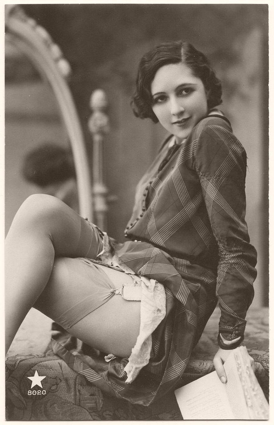 Vintage: Portraits of Lucette Desmoulins by Biederer Brothers (1920s) | MONOVISIONS