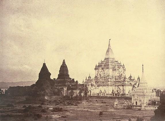 Captain-Linnaeus-Tripe-Photographer-India-Burma-01