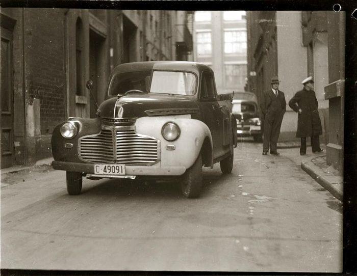 Street scene. Late 1940s, details unknown.