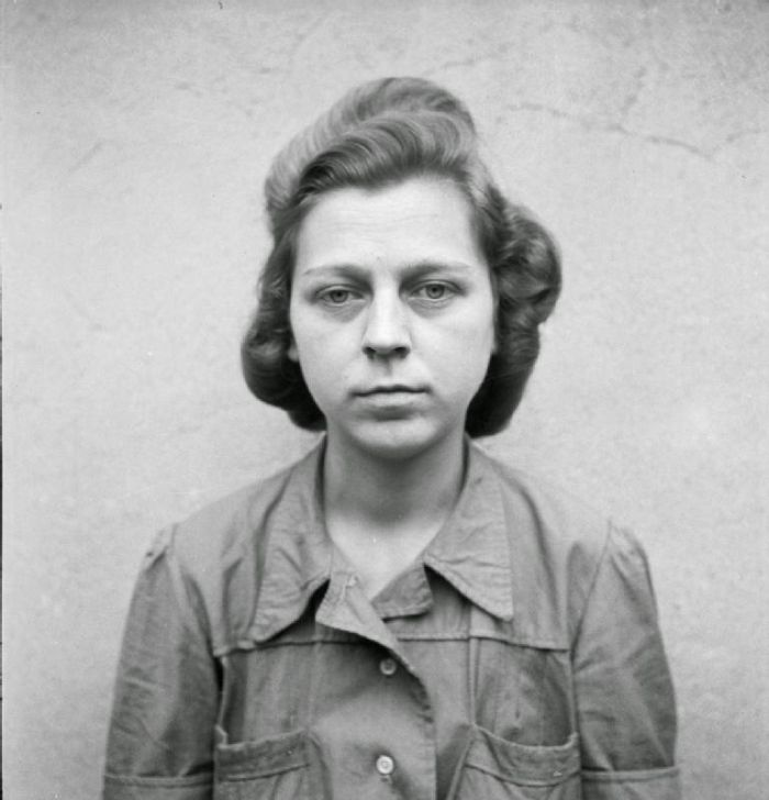 Female-Nazi-Concentration-Camp-Guards-12