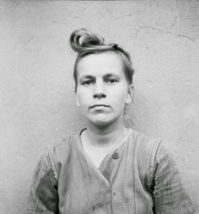 Female-Nazi-Concentration-Camp-Guards-18