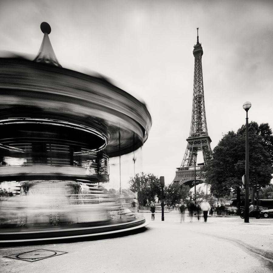 © Martin Stavars Merry-go-round, Paris, France, 2010