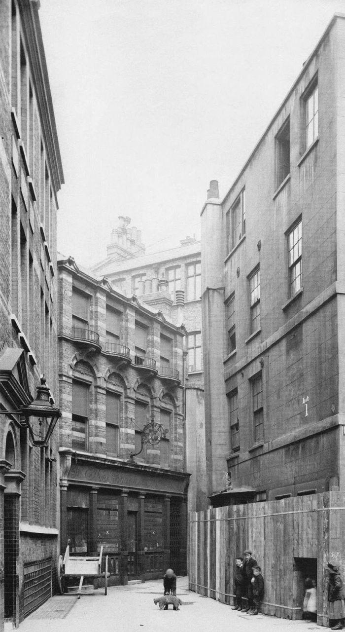 Philip-Davies-Panoramas-of-Lost-London-14