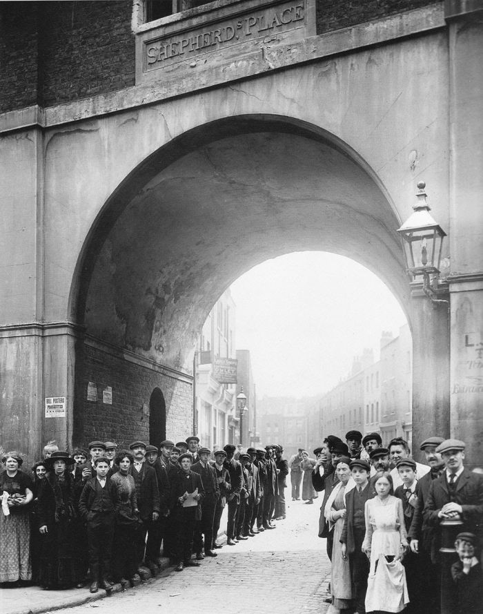 Philip-Davies-Panoramas-of-Lost-London-19