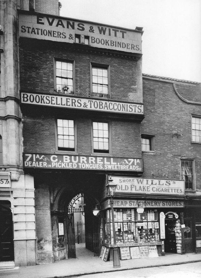 Philip-Davies-Panoramas-of-Lost-London-20