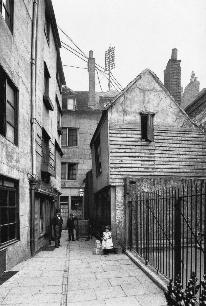 Philip-Davies-Panoramas-of-Lost-London-21